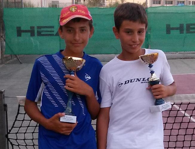 http://www.ragusanews.com//immagini_articoli/04-08-2014/luglio-di-soddisfazioni-per-il-tennis-club-500.jpg