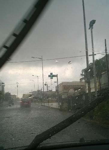 https://www.ragusanews.com//immagini_articoli/04-08-2015/piove-si-piove-500.jpg