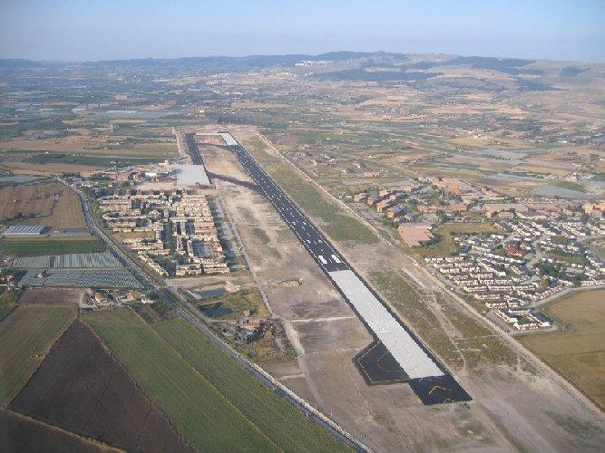 https://www.ragusanews.com//immagini_articoli/04-08-2018/aeroporto-bando-gara-collegamenti-stradali-500.jpg