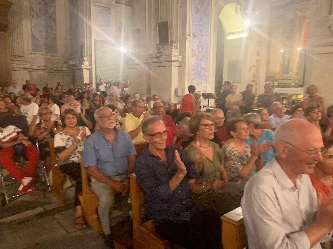 https://www.ragusanews.com//immagini_articoli/04-08-2019/1564955396-scicli-onora-la-memoria-maestro-claudio-scimone-3-500.jpg