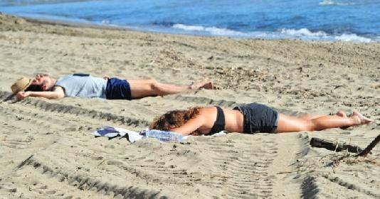 https://www.ragusanews.com//immagini_articoli/04-08-2021/4-agosto-21-morti-covid-in-italia-di-cui-6-in-sicilia-280.jpg