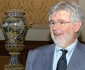 http://www.ragusanews.com//immagini_articoli/04-09-2017/camera-commercio-sudest-eletto-presidente-pietro-agen-240.jpg