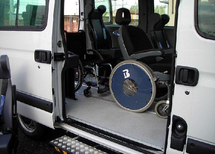 https://www.ragusanews.com//immagini_articoli/04-09-2018/anno-scolastico-riparte-assistenza-alunni-disabili-500.jpg