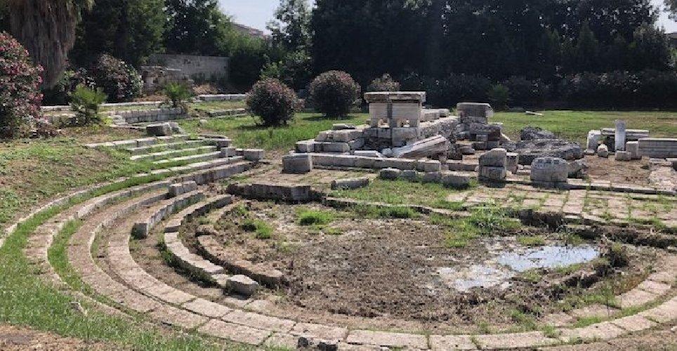 https://www.ragusanews.com//immagini_articoli/04-09-2019/siracusa-riapre-al-pubblico-il-ginnasio-romano-500.jpg