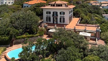 https://www.ragusanews.com//immagini_articoli/04-09-2020/1599204384-in-vendita-una-villa-di-alberto-sordi-a-sei-milioni-di-euro-1-240.jpg