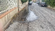 https://www.ragusanews.com//immagini_articoli/04-09-2021/quella-perdita-d-acqua-mentre-nessuno-al-comune-risponde-al-telefono-100.jpg