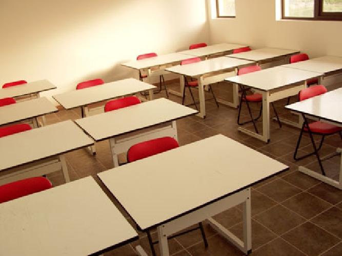 https://www.ragusanews.com//immagini_articoli/04-10-2010/i-426-presidi-non-vogliono-rifare-gli-esami-500.jpg