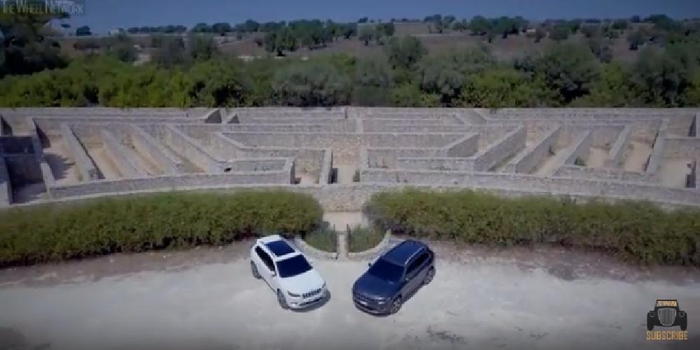 https://www.ragusanews.com//immagini_articoli/04-10-2018/jeep-gira-ragusano-video-500.png