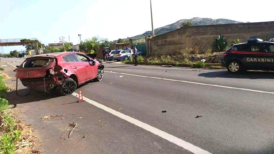 https://www.ragusanews.com//immagini_articoli/04-10-2020/incidente-sulla-palermo-agrigento-in-coma-un-22enne-500.jpg