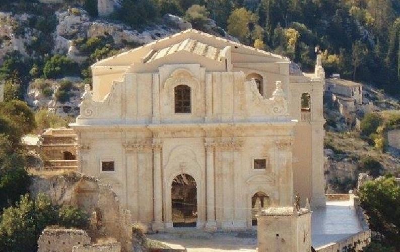 http://www.ragusanews.com//immagini_articoli/04-11-2014/terminato-il-restauro-della-chiesa-di-san-matteo-500.jpg