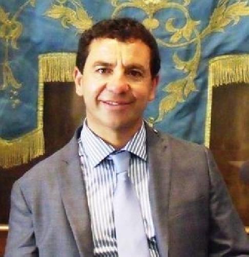 http://www.ragusanews.com//immagini_articoli/04-11-2014/traballa-la-poltrona-del-presidente-garaffa-500.jpg