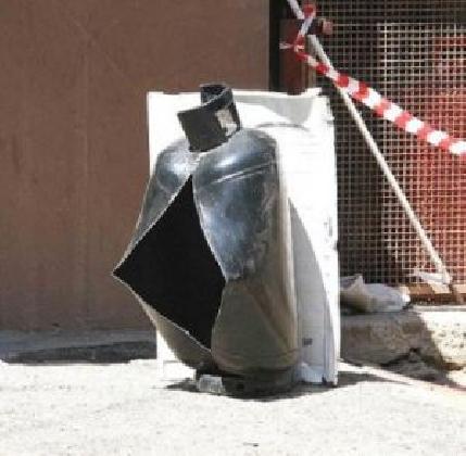 https://www.ragusanews.com//immagini_articoli/04-11-2016/scoppio-bombola-area-asi-la-nostra-versione-dei-fatti-420.jpg