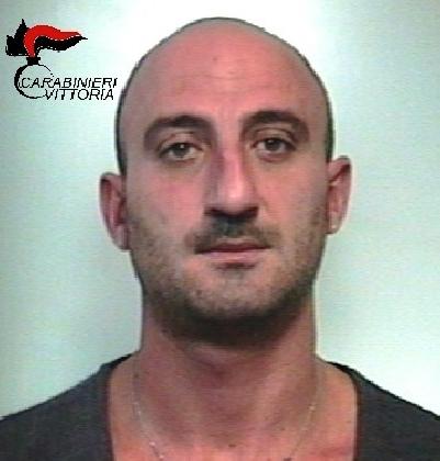 http://www.ragusanews.com//immagini_articoli/04-11-2016/spaccio-arrestato-gianluca-zocco-420.jpg