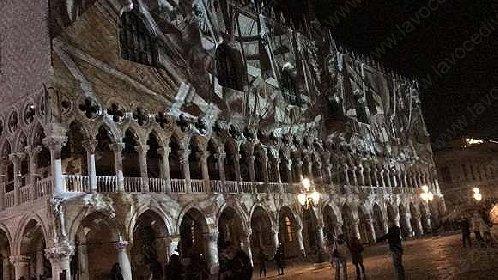 https://www.ragusanews.com//immagini_articoli/04-11-2020/tom-cruise-e-la-mission-impossible-di-far-esplodere-palazzo-ducale-280.jpg