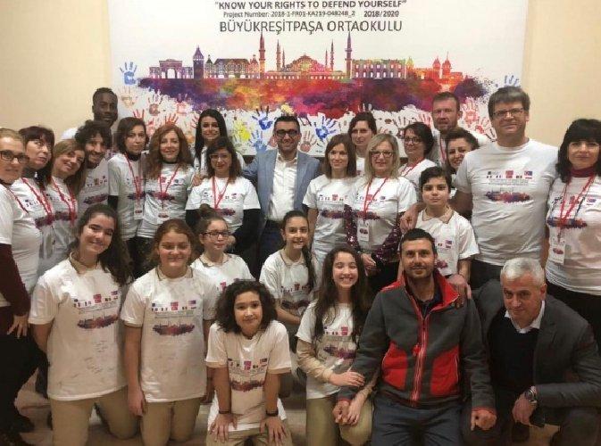 https://www.ragusanews.com//immagini_articoli/04-12-2018/istituto-portella-vittoria-turchia-500.jpg