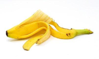 https://www.ragusanews.com//immagini_articoli/04-12-2019/bucce-di-banana-ecco-perche-possono-aiutarci-a-perdere-peso-240.jpg