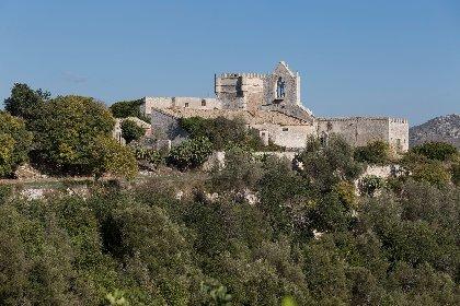 https://www.ragusanews.com//immagini_articoli/04-12-2020/1607083112-a-ragusa-si-vende-un-castello-per-un-milione-e-mezzo-di-euro-3-280.jpg