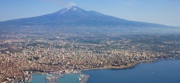 https://www.ragusanews.com//immagini_articoli/04-12-2020/sicilia-catania-diventa-un-caso-e-un-concentrato-di-contagi-280.jpg