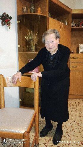 https://www.ragusanews.com//immagini_articoli/04-12-2020/vittoria-nonna-giovanna-ha-compiuto-104-anni-500.jpg