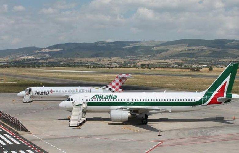 https://www.ragusanews.com//immagini_articoli/05-01-2019/roma-palermo-aereo-vogliono-500.jpg