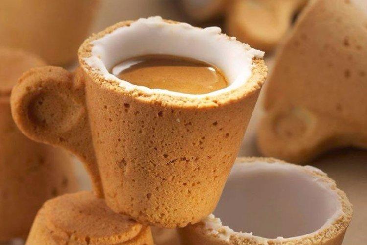 https://www.ragusanews.com//immagini_articoli/05-01-2020/bevi-il-caffe-e-mangi-la-tazzina-e-fatta-di-biscotto-500.jpg