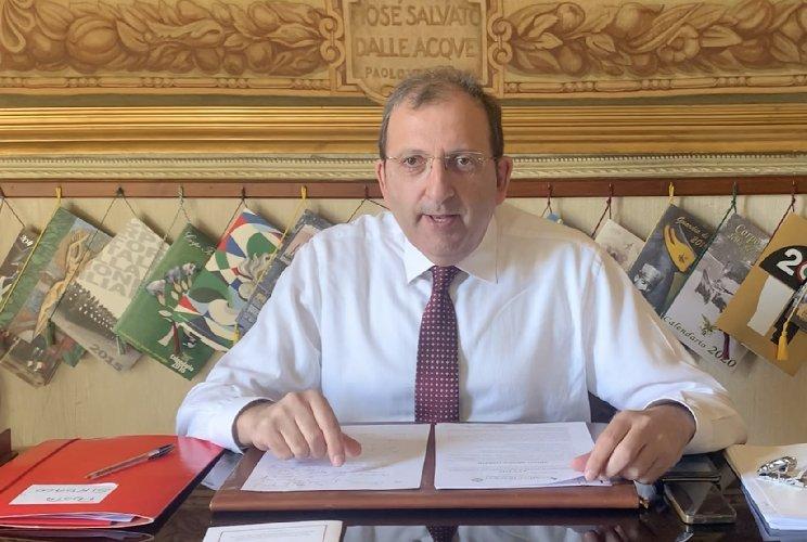 https://www.ragusanews.com//immagini_articoli/05-03-2020/coronavirus-videomessaggio-sindaco-di-scicli-500.jpg