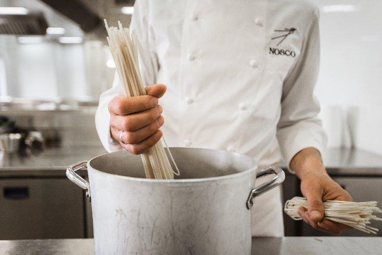 https://www.ragusanews.com//immagini_articoli/05-03-2020/nosco-via-al-decimo-corso-darte-culinaria-500.jpg