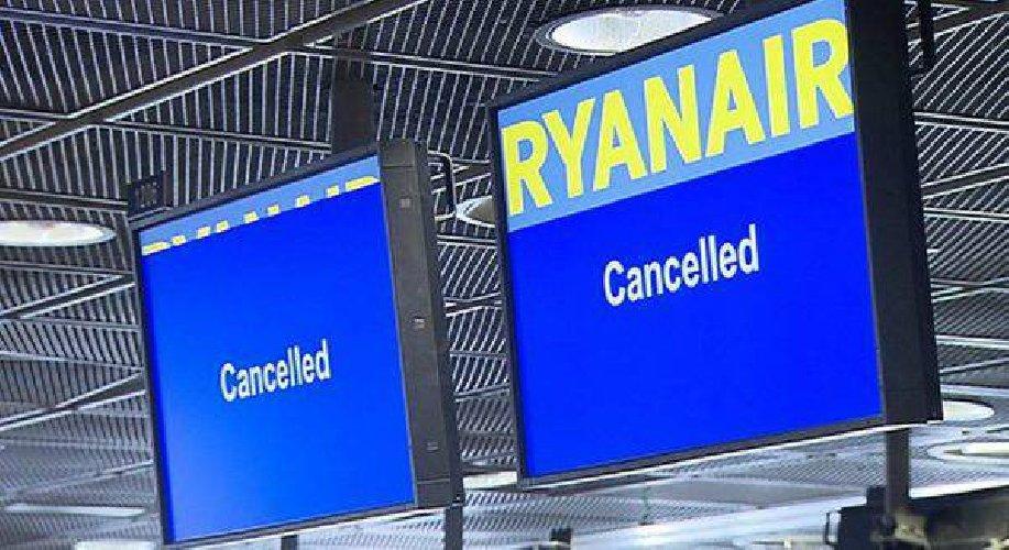 https://www.ragusanews.com//immagini_articoli/05-03-2020/voli-cancellati-ryanair-posso-chiedere-il-risarcimento-500.jpg