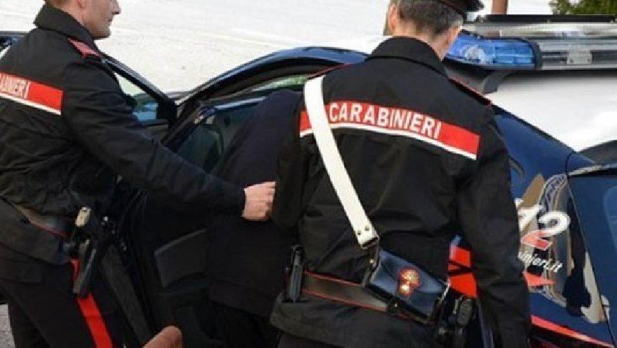 https://www.ragusanews.com//immagini_articoli/05-03-2021/droga-a-ispica-un-arresto-e-una-denuncia-500.jpg