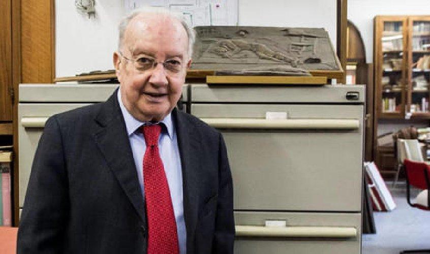 https://www.ragusanews.com//immagini_articoli/05-03-2021/e-morto-l-ex-sindaco-di-milano-carlo-tognoli-500.jpg