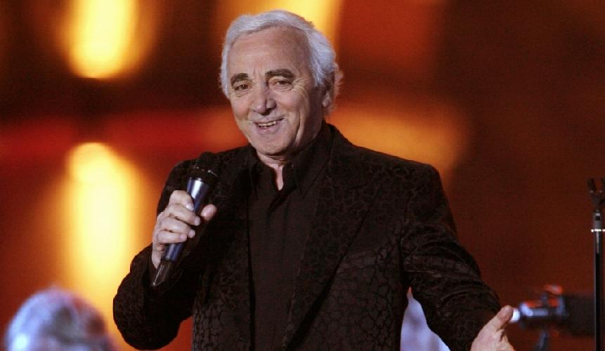 https://www.ragusanews.com//immagini_articoli/05-04-2017/aznavour-taormina-concerto-500.jpg