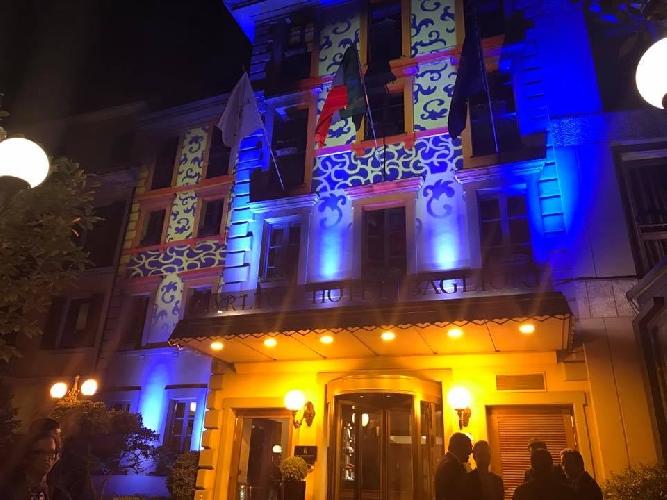 http://www.ragusanews.com//immagini_articoli/05-04-2017/baglioni-hotel-carlton-illuminato-gaspare-caro-500.jpg