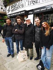 https://www.ragusanews.com//immagini_articoli/05-04-2020/il-ragusano-giovanni-arezzo-clochard-in-un-film-a-londra-240.jpg