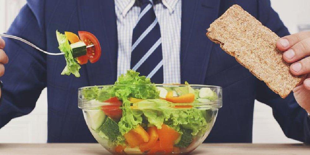 https://www.ragusanews.com//immagini_articoli/05-04-2021/dieta-e-colesterolo-quali-sono-i-cibi-da-consumare-e-quelli-da-evitare-500.jpg