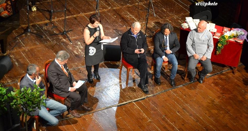 https://www.ragusanews.com//immagini_articoli/05-05-2014/si-lidea-e-buona-a-teatro-500.jpg