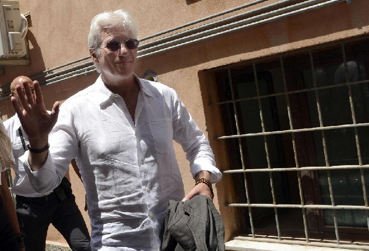 https://www.ragusanews.com//immagini_articoli/05-05-2016/richard-gere-presidente-onorario-taormina-film-festival-500.jpg