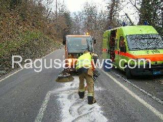http://www.ragusanews.com//immagini_articoli/05-05-2017/rally-monterosso-240.jpg