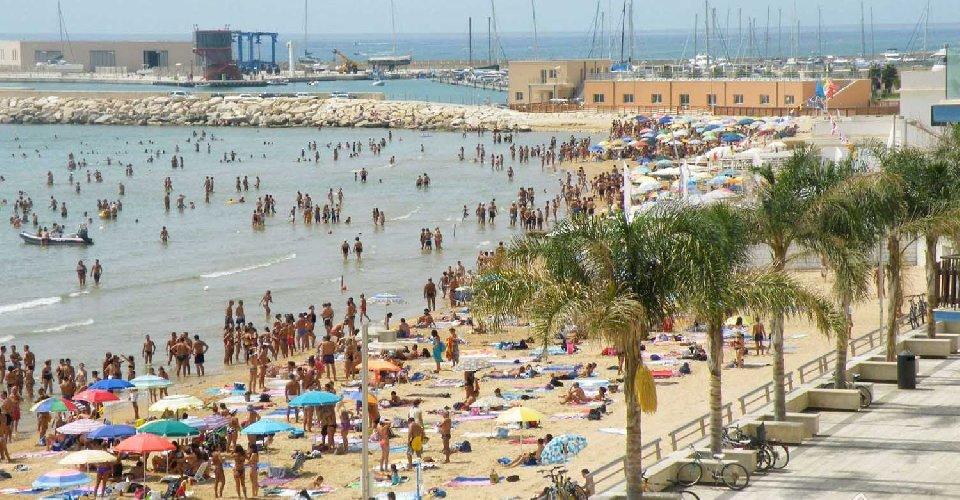 https://www.ragusanews.com//immagini_articoli/05-05-2021/vacanze-in-sicilia-il-pacchetto-1-notte-su-3-gratis-vaccino-incluso-500.jpg
