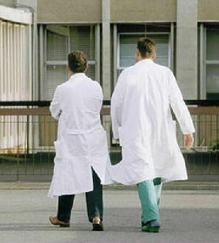 https://www.ragusanews.com//immagini_articoli/05-07-2011/ospedali-iblei-venti-infermieri-per-l-estate-ammatuna-non-basta-500.jpg