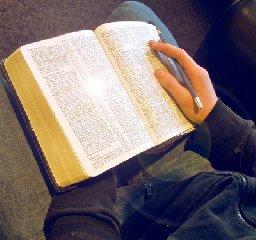 https://www.ragusanews.com//immagini_articoli/05-07-2018/scuola-teologica-base-aperte-iscrizioni-240.jpg