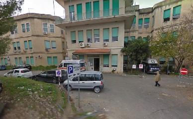 https://www.ragusanews.com//immagini_articoli/05-07-2020/razza-cancella-gli-ospedali-covid-240.jpg