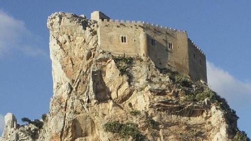 https://www.ragusanews.com//immagini_articoli/05-07-2021/sicilia-arrivano-gli-stranieri-900-case-in-30-borghi-ma-non-a-1-euro-280.jpg