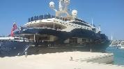 http://www.ragusanews.com//immagini_articoli/05-08-2016/ulysses-lo-yacht-da-sogno-vola-da-costa-di-carro-a-marina-100.jpg