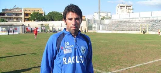 http://www.ragusanews.com//immagini_articoli/05-08-2017/ragusa-calcio-continua-attendere-notizie-futuro-eccellenza-240.jpg