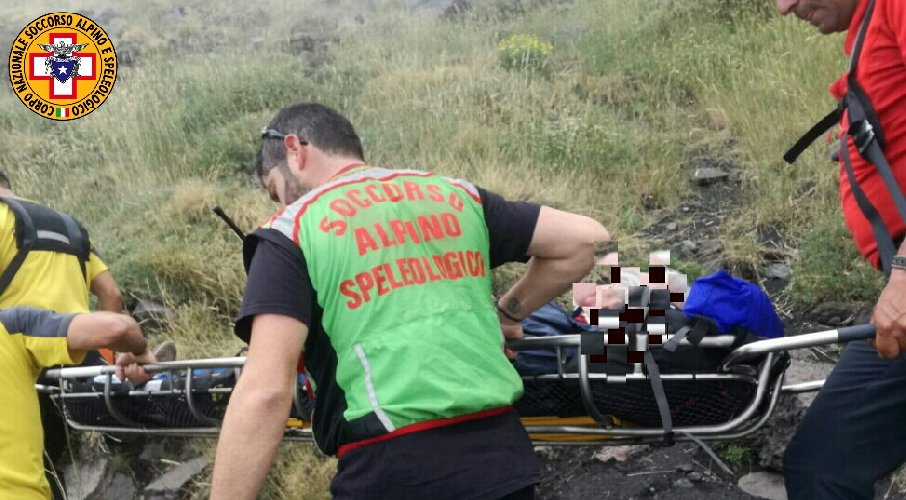 https://www.ragusanews.com//immagini_articoli/05-08-2018/francesi-soccorsi-etna-500.jpg