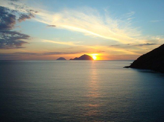 https://www.ragusanews.com//immagini_articoli/05-08-2019/concerti-al-tramonto-a-salina-500.jpg