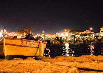 https://www.ragusanews.com//immagini_articoli/05-08-2020/turisti-si-lamentano-del-cibo-ristoratore-li-insulta-perche-gay-240.jpg