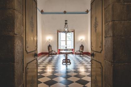 https://www.ragusanews.com//immagini_articoli/05-08-2021/comiso-castello-aragonese-piu-che-dimezzato-il-prezzo-di-vendita-foto-280.jpg