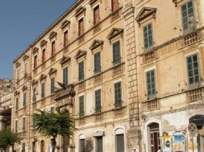 https://www.ragusanews.com//immagini_articoli/05-09-2013/lassessore-alla-cultura-di-giacomo-il-nome-campailla-non-muoia-500.jpg