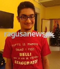 http://www.ragusanews.com//immagini_articoli/05-09-2017/morto-andrea-gravina-22enne-vittima-dellincidente-vittoria-240.jpg